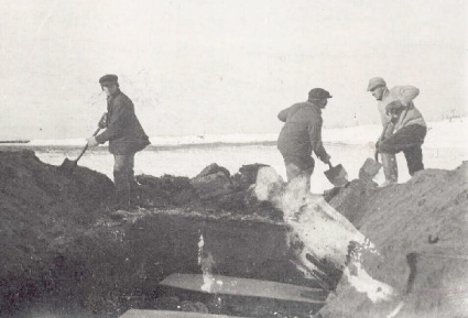 Mass grave in Labrador, 1919.