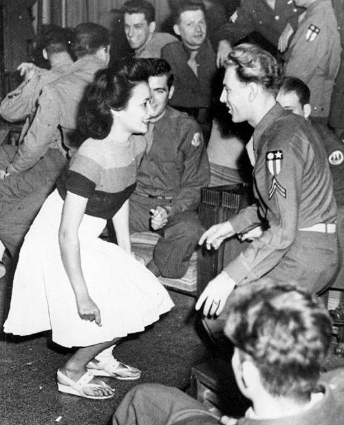 USO dance, 1944