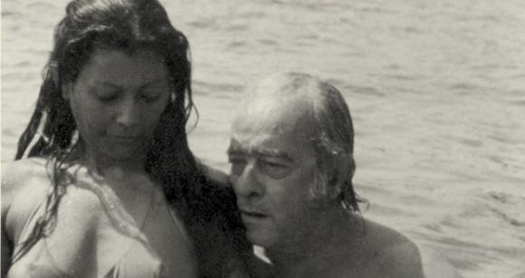 Vinicius de Moraes in the sea.