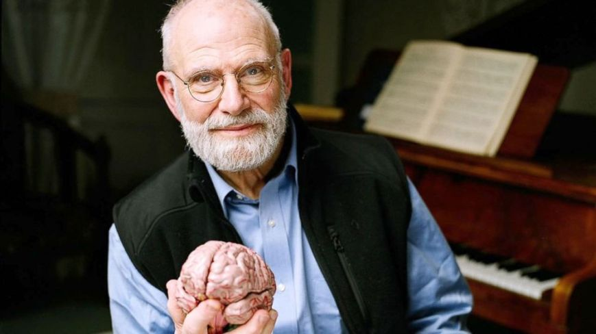 Oliver Sacks and somebody's brain. (Photo by Adam Scourfield for AP)
