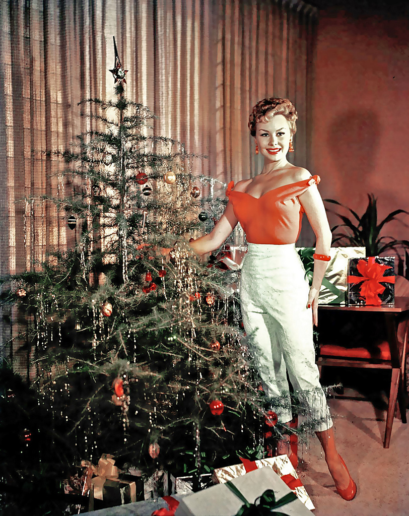 Mitzi Gaynor coming unwrapped.